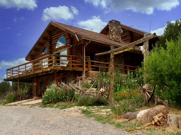 Boulder mountain guest ranch - Building